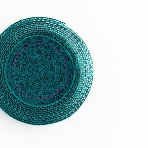 Z.T. , karton, gesso, gouache, textiel, (doorsnede 16 cm ) 2020