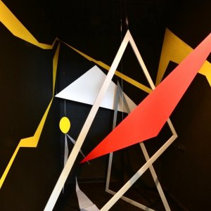 Installatie MDF -acryl - polyester