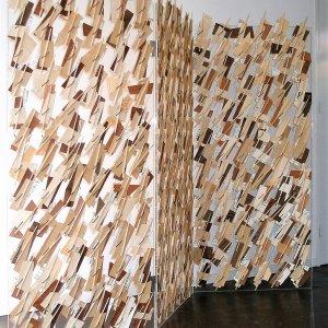 Recitativ, 2010, dun hout en muziekpapier, 210 x 200 cm
