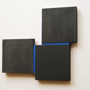 Shifts black/blue, 2020, oil on MDF and wood, 30,9x33,5 cm