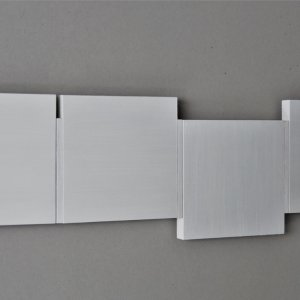 Shifts white/white, 2020, oil on MDF and wood, 18 x 62.3 cm