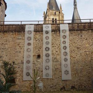 Heraldic Banners for Dourdan Fr. 2018, locatieproject, ca.500 x 80cm per baan